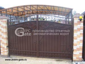 Кованое заполнение распашных ворот